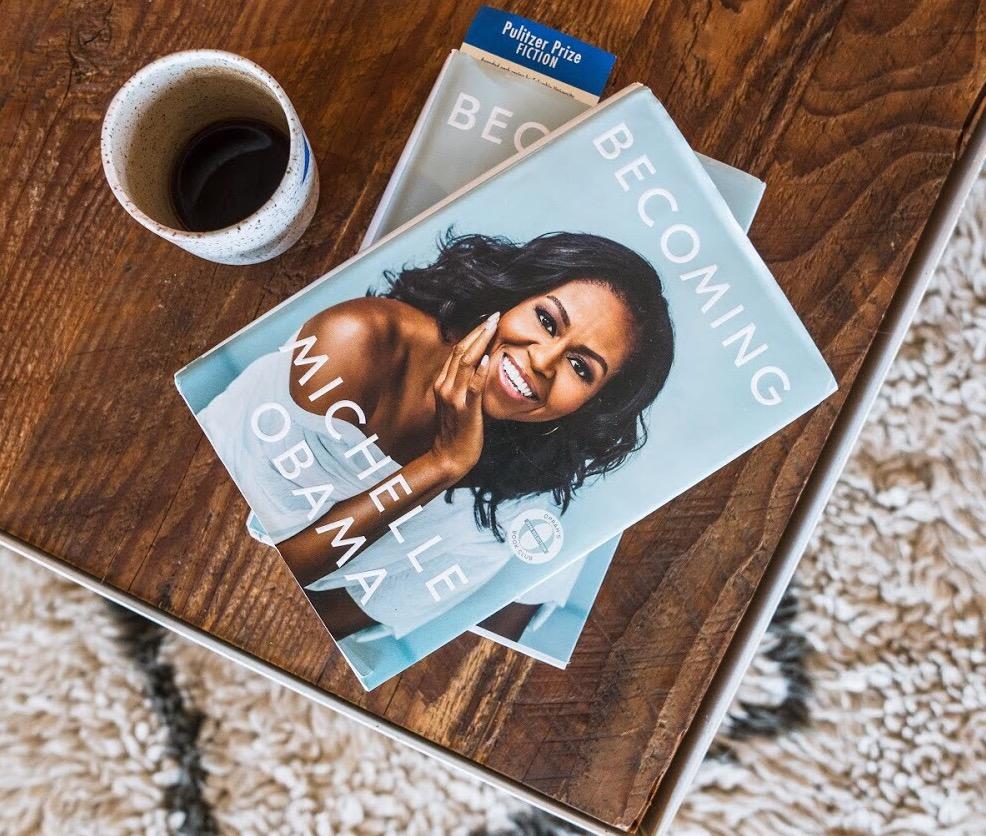 Libro de Michelle Obama, una mujer que despierta emociones.