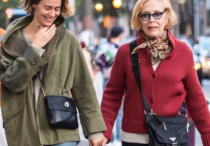 Más allá de los años y de la piel: mujeres mayores relumbrantes
